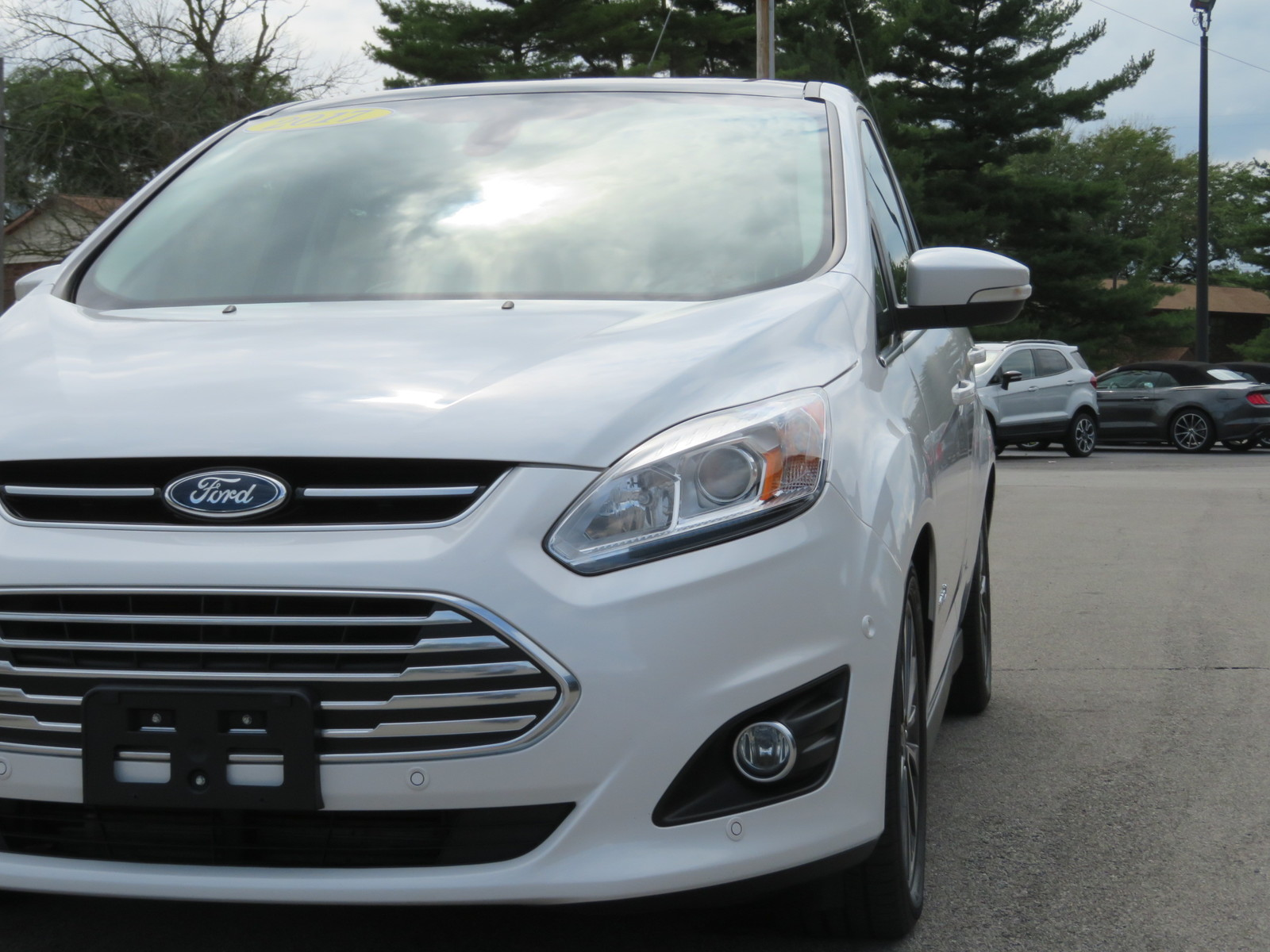 Pre-Owned 2017 Ford C-Max Hybrid Titanium FWD
