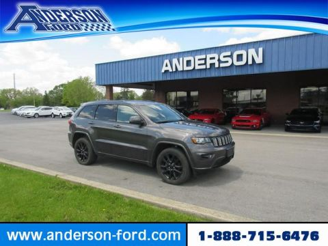 Pre-Owned 2017 Jeep Grand Cherokee Altitude 4x4 *Ltd Avail*